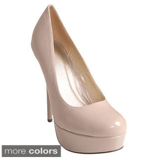 Journee Collection Women's 'Jones' Patent Platform Pumps