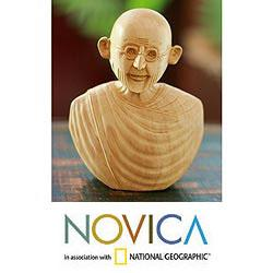 Handcrafted Kadam Wood 'Gandhi Messenger of Peace' Sculpture (India)
