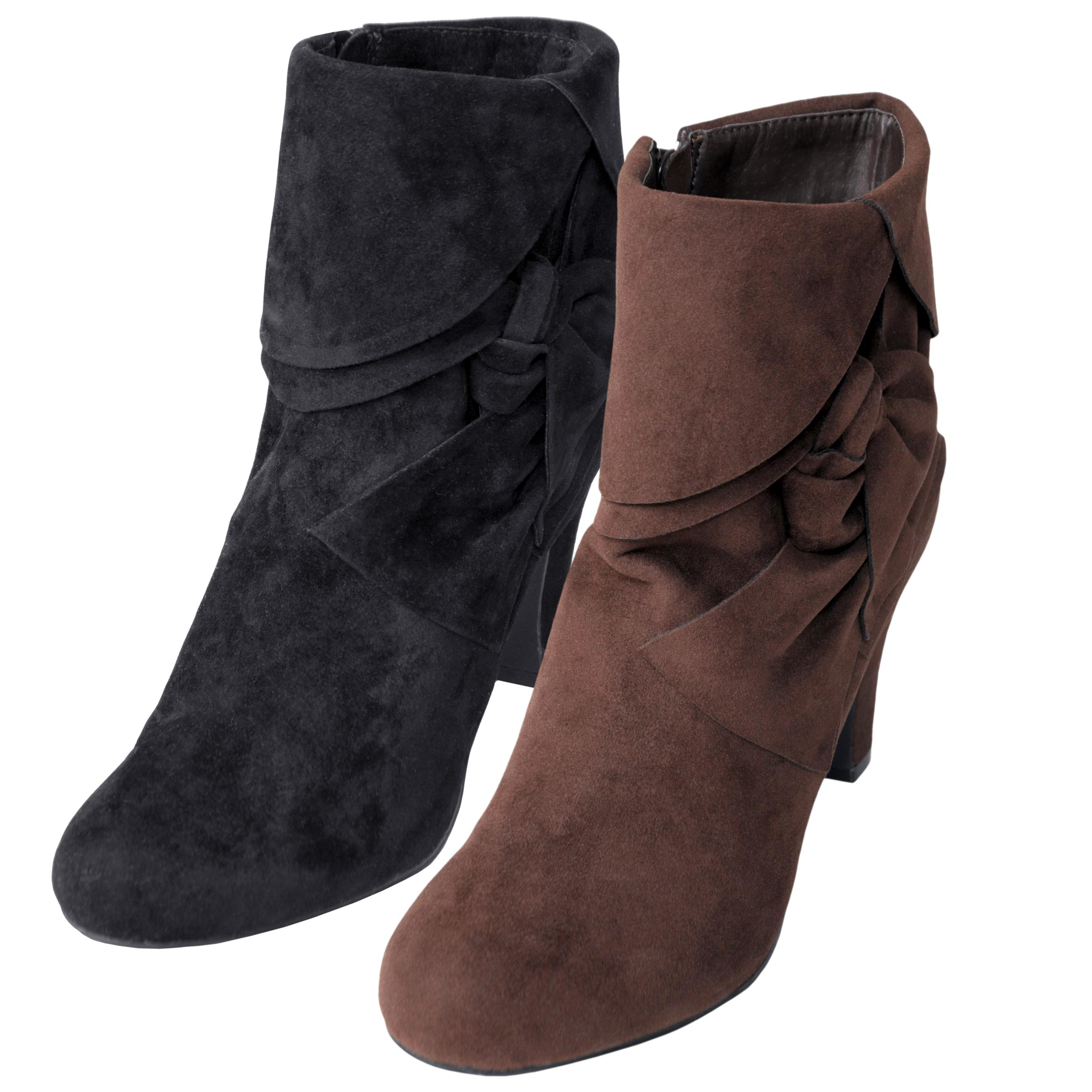 Journee Collection Women's 'Verde-16' Bow Accent Ankle Boots
