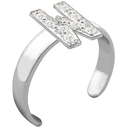10k Gold 'W' Diamond Accent Toe Ring (G-H, SI2-I1)