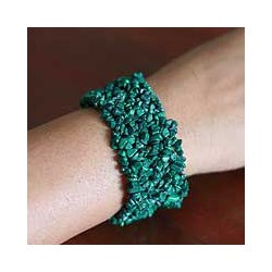 Handcrafted Malachite 'Forest Moss' Stretch Bracelet (India)