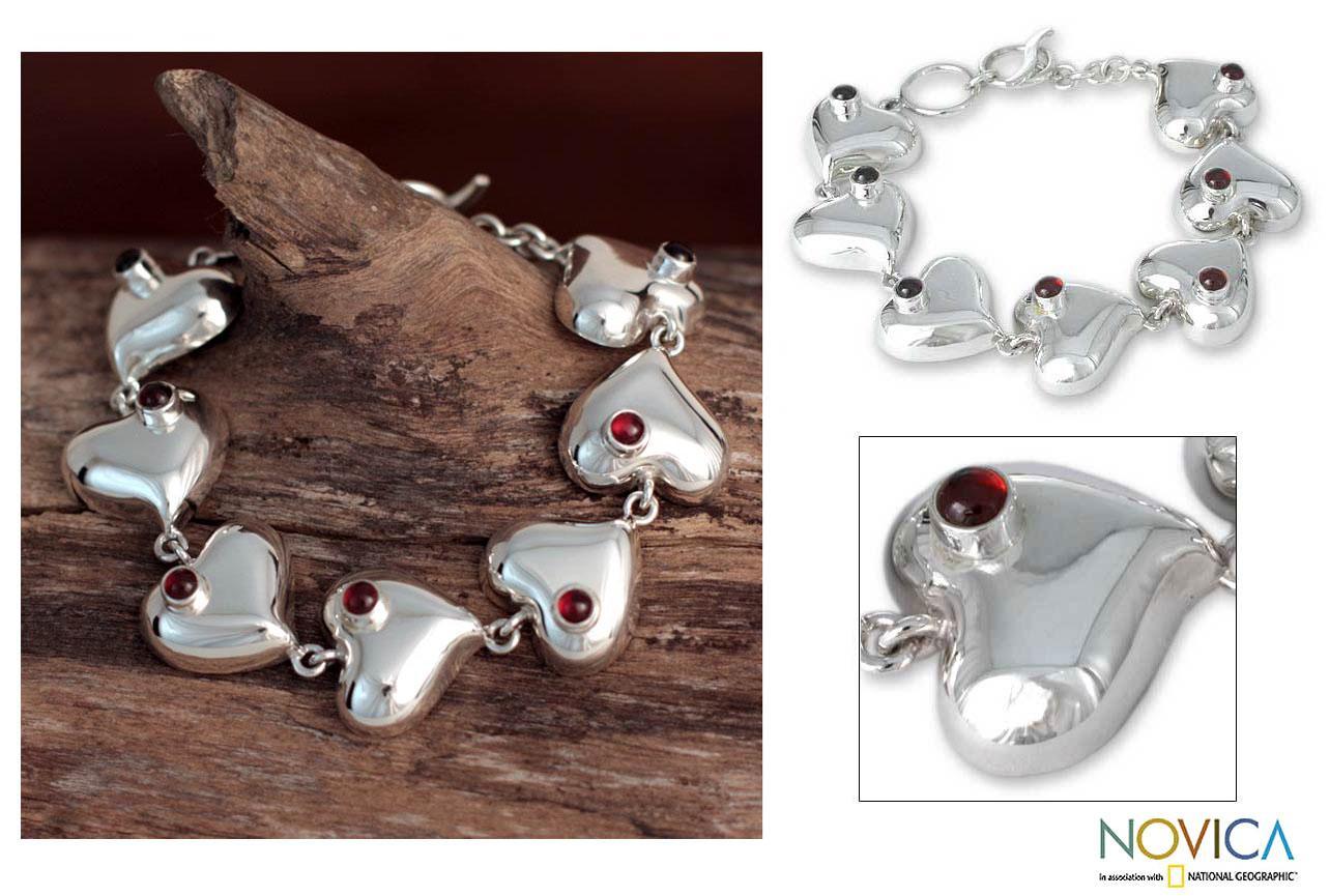 Silver 'Love's Glow' Garnet Heart Bracelet (Mexico)