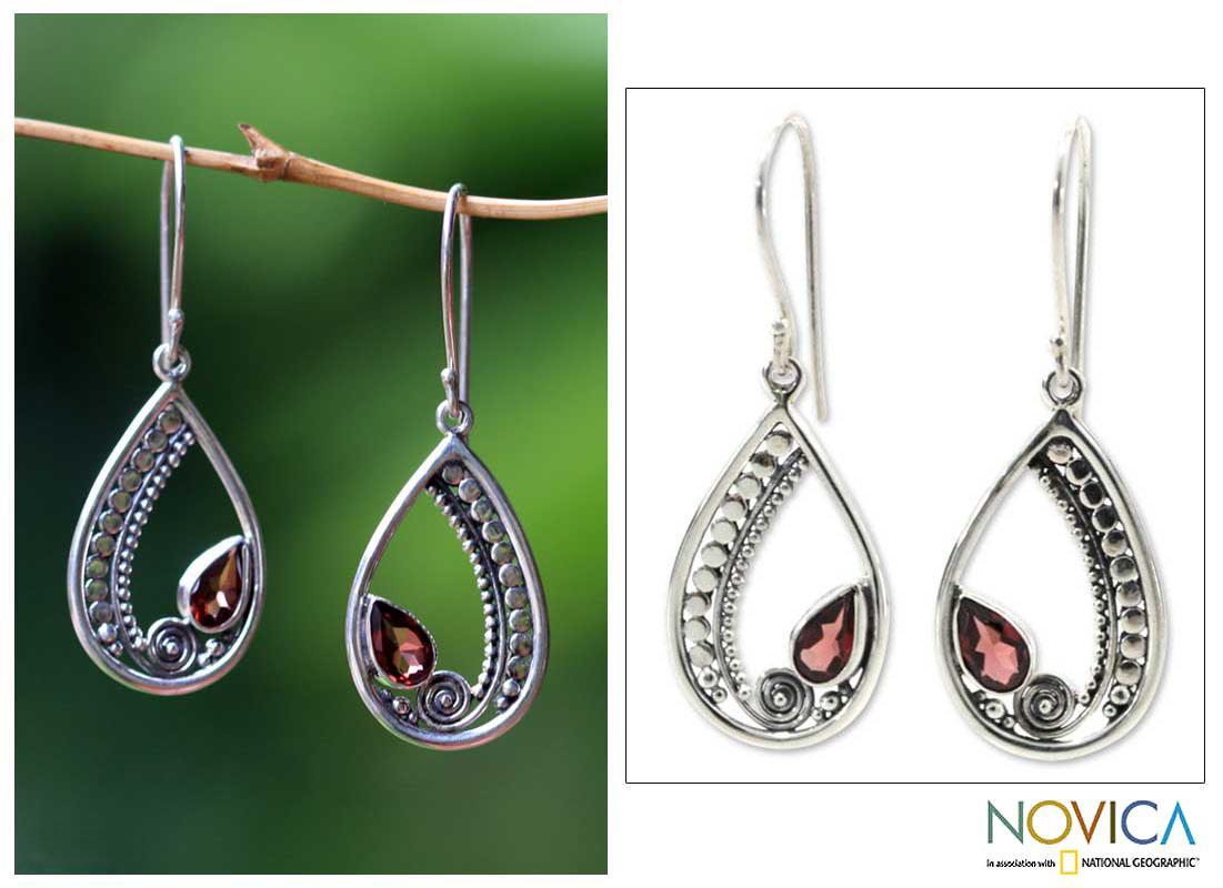 Sterling Silver 'Paisley Swirl' Garnet Earrings (Indonesia)