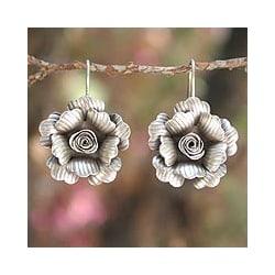Silver 'Chiang Mai Jasmine' Flower Earrings (Thailand)