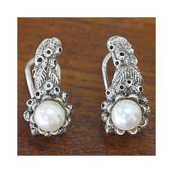 Sterling Silver 'Coral Reef' Pearl Earrings (6 mm) (Indonesia)