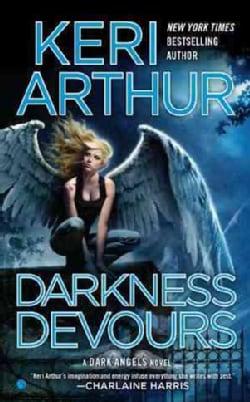 Darkness Devours (Paperback)
