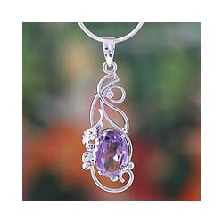 Handcrafted Sterling Silver 'Delhi Lilac' Amethyst Necklace (India)