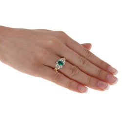 FJC 14k Gold Created Emerald and 1/6ct TDW Diamond Ring (H-I, I1-I2)