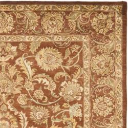 Safavieh Handmade Agra Rust Wool Rug (7'6 x 9'6)