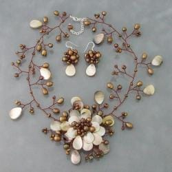 Mother of Pearl/ Bronze Pearl Floral Jewelry Set (3-5 mm) (Thailand)