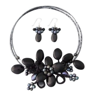 Black Onyx and Pearl Flower Jewelry Set (3-14 mm) (Thailand)