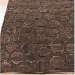 nuLOOM Hand-carved Velvet Pebbles Brown Faux Silk Rug (2'1 x 4')
