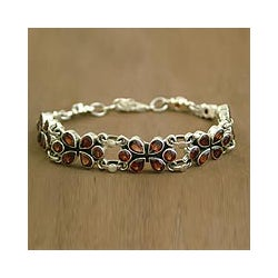 Sterling Silver Garnet 'Lucky in Love' Flower Bracelet (India)