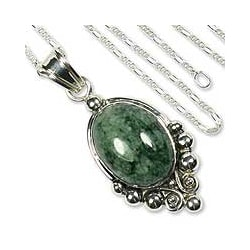 Sterling Silver 'Praise Love' Jade Necklace (Guatemala)