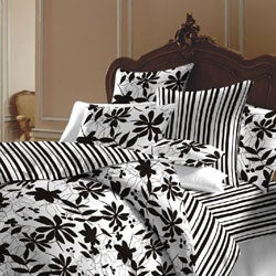 Black and White Flowered Duvet Cover Set (India)