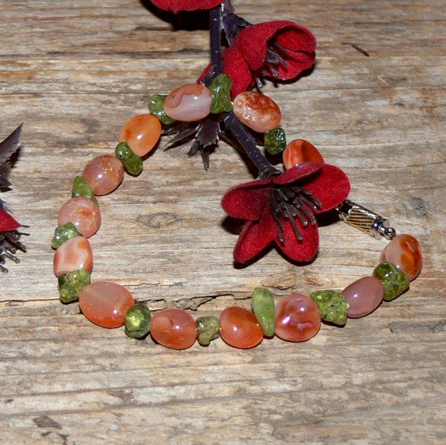 Susen Foster Two-tone Castle Rock Summer Agate and Peridot Bracelet