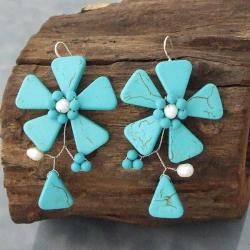 Sterling Silver Turquoise and Pearl Flower Earrings (5-6 mm) (Thailand)