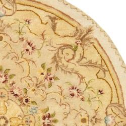 Handmade Aubusson Creteil Beige/ Light Gold Wool Rug (3'6 Round)