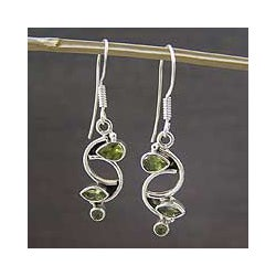 Sterling Silver 'Intricate Harmony' Peridot Dangle Earrings (India)
