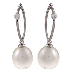 Kabella Sterling Silver FW Pearl and Cubic Zirconia Earrings (8-9mm)