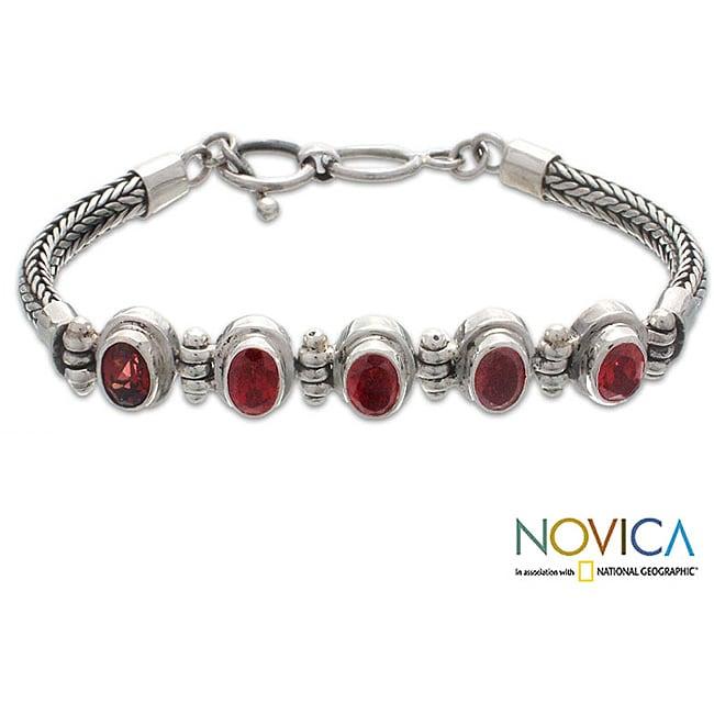 Sterling Silver 'Five Treasures' Garnet Bracelet (Indonesia)