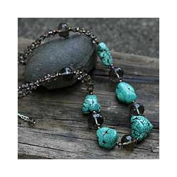 Handcrafted Magnesite 'Song of the Sky' Beaded Necklace (Thailand)
