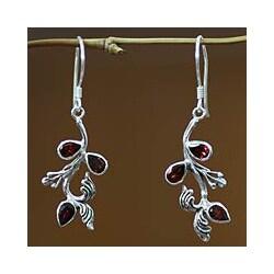 Handcrafted Sterling Silver 'Bali Belle' Garnet Earrings (Indonesia)