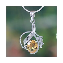 Sterling Silver 'Golden Blossom' Citrine Flower Necklace (India)