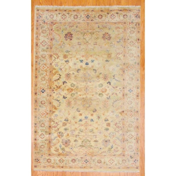 Hand-knotted Oushak Light Green and Ivory Wool Rug (5'7 x 8'5)