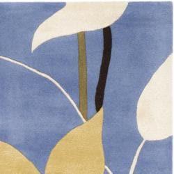 Safavieh Handmade Gardens Blue Cotton-Canvas New Zealand Wool Rug (7'6