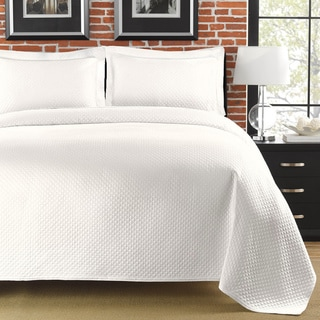 Diamante Matelasse White Full/ Queen-size Coverlet