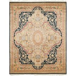 Asian Hand-knotted Royal Kerman Black/ Ivory Wool Rug (6' x 9')