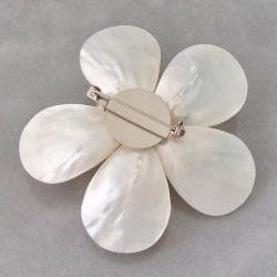 Mother of Pearl and Natural White Pearl Daisy Brooch (4-10 mm)(Thailand)