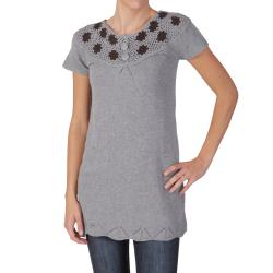 Journee Collection Juniors Flower Detail Short Sleeve Tunic