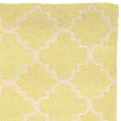 Safavieh Hand-woven Moroccan Dhurrie Light Green/ Ivory Wool Rug (2'6 x 10')