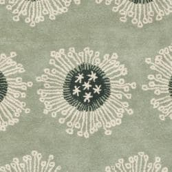 Safavieh Handmade Celebrations Light Blue Grey N. Z. Wool Rug (7'6 x 9'6)