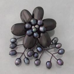 Black Agate and Pearl Floral Brooch (4-8 mm)(Thailand)