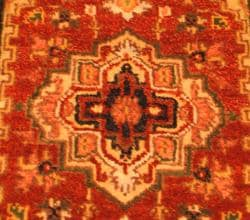 Indo Hand-knotted Heriz Red and Navy Wool Rug (2' x 3')