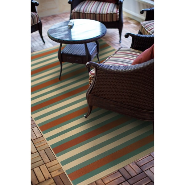 Blue/ Orange Outdoor Area Rug (6'7 x 9'6)