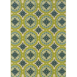 Green and Ivory Outdoor Area Rug (6'7 x 9'6)