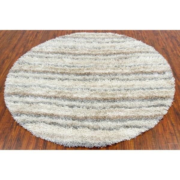 Hand-woven Mandara White Shag Rug (7'9 Round)