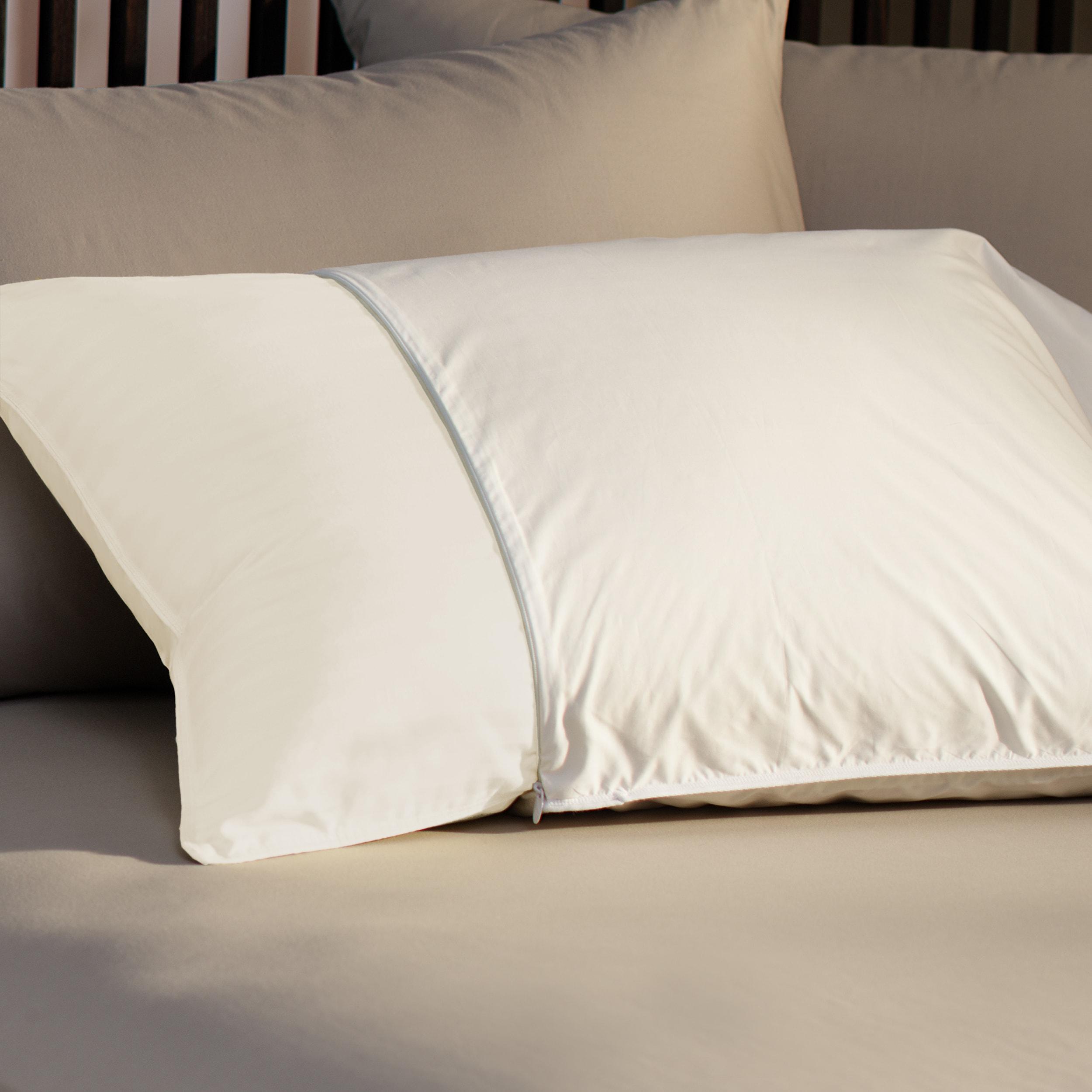 230 Thread Count Zip Standard/Queen/King- Size Pillow Protectors (Set of 2)