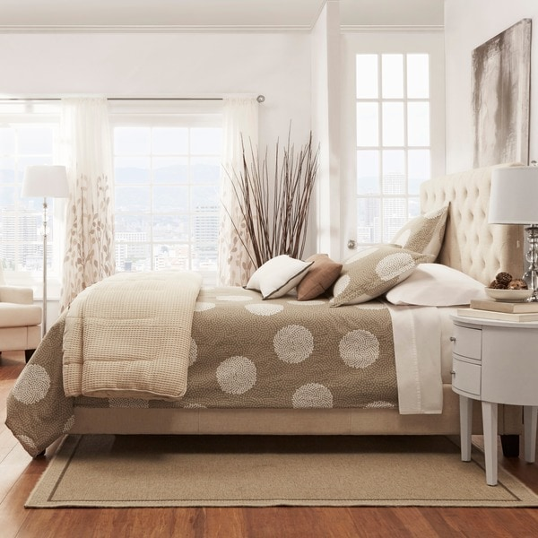 TRIBECCA HOME Sophie Tufted Queen Upholstered Platform Bed