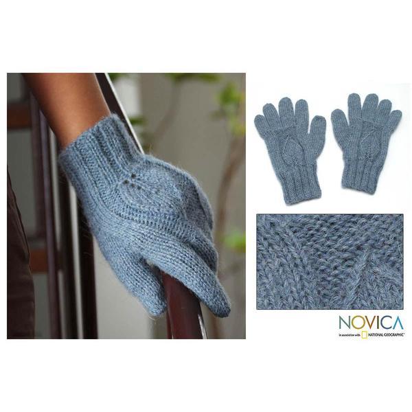Alpaca Wool 'Grey Shadow Leaves' Gloves (Peru)