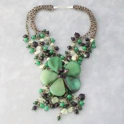 Sterling Silver Agate and Onyx Green Daisy Necklace (Thailand)