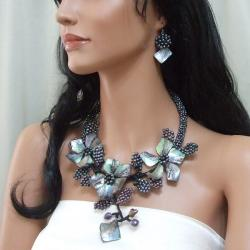 Sterling Silver Floral Shell and Pearl Jewelry Set (3-5 mm)(Thailand)