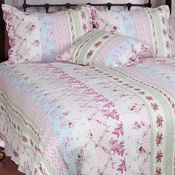Wild Rose Enchantment Patchwork Quilt Set
