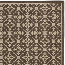 Chocolate/ Cream Indoor Outdoor Rug (4' x 5'7)