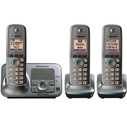 Panasonic KX-TG4133M DECT 6.0 Cordless Phone Digital Answering System with 3 Handsets (Refurbished)