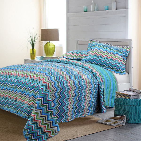 Blue Zig-Zag 3-piece Quilt Set
